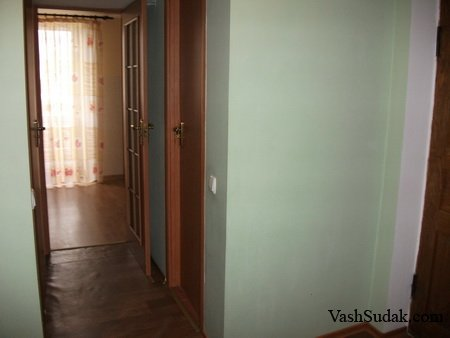 Трёхкомнатная квартира на пер. Солнечный. Судак