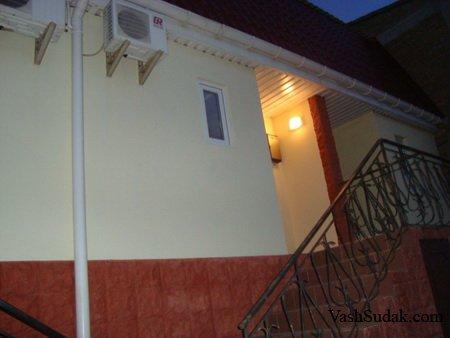 Коттэдж двухэтажный на Бирюзова. Судак