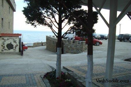 Ханский Дворик на самом берегу моря в Судаке