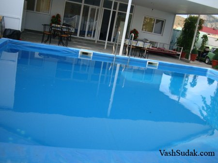 Гостевой дом с бассейном на Аквапарке. Судак